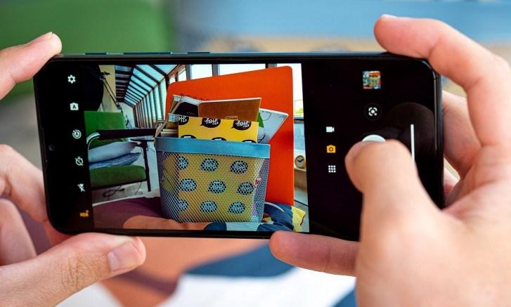 Moto G9 Play vs Galaxy A51